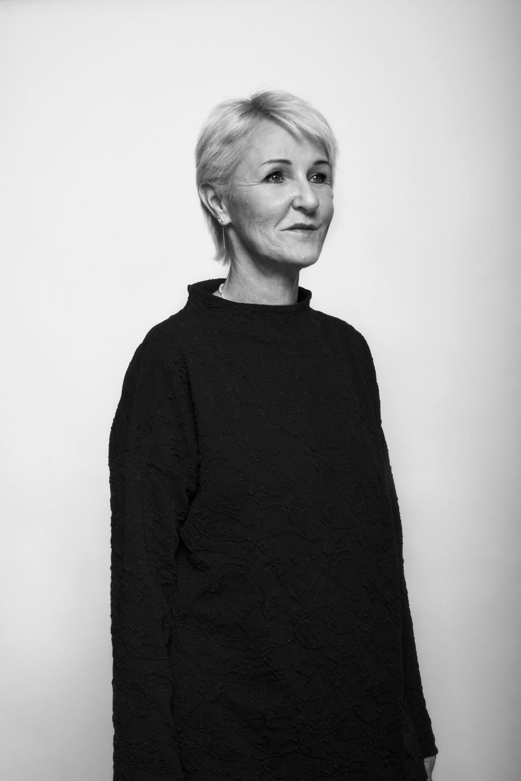 Portrait Claudia, Rezeptionistin